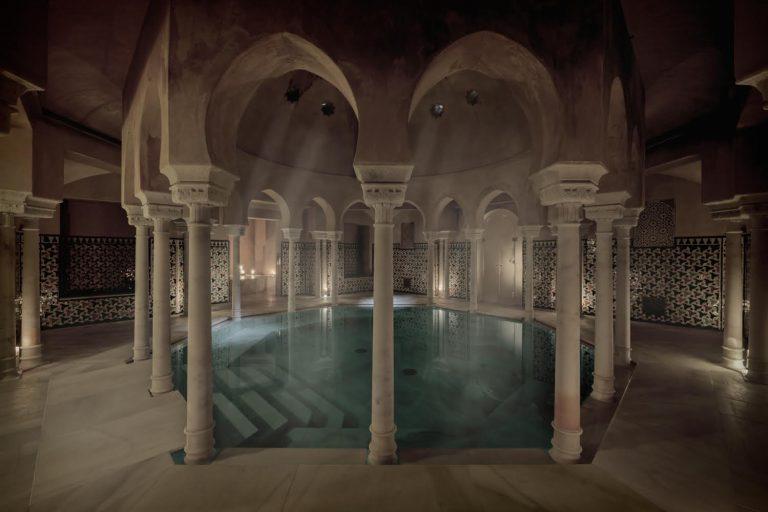 Foto escapada andalusí a los baños árabes con escapadas en Málaga