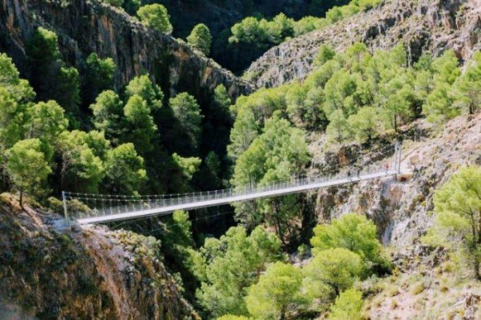 Foto del puente del Satillo con escapadas en Málaga