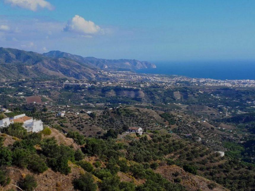 Foto de vista panorámica ruta por la Axarquía con escapadas en Málaga