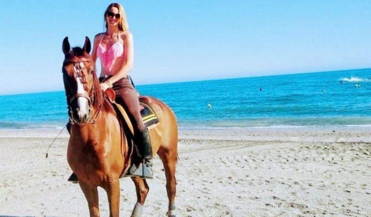 Foto de actividad montar a caballo con escapadas en Málaga